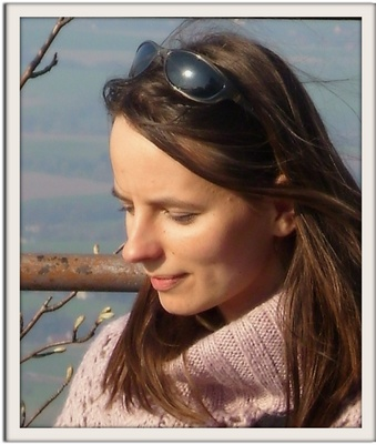 Polish speech therapist in Hamburg, Germany. Katarzyna Czyżycka. Speech e-therapy online by Skype for children with speech impediments, delayed speech development, autism and Asperger syndrome living e.g. in the UK (England) or in USA. Speech therapy online for children with dyslexia and different neurological diseases from Canada. Speech therapy for adults suffering from aphasia resulted from a brain injury. Speech therapy for bilingual and multi-lingual children living e.g. in Australia. Early learning to read online by Skype for small children by the Cracow Method of Professor Cieszyńska. Speech therapy over Internet for children suffering from autism.